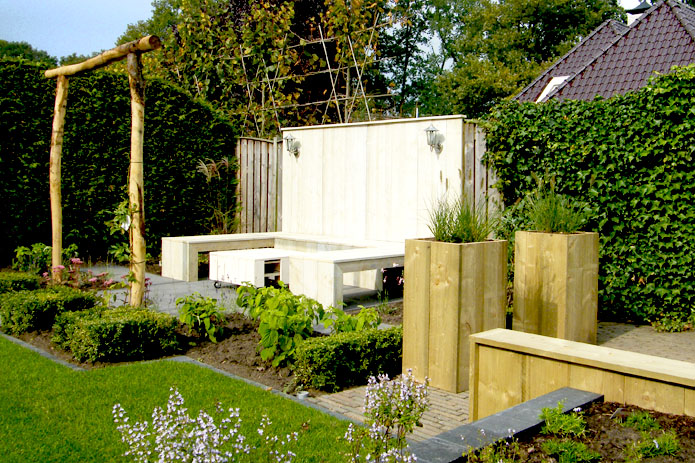Vernieuwend & tijdloos: houten elementen in uw tuin!